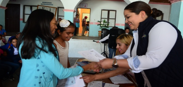 Benefician a 85 menores con becas